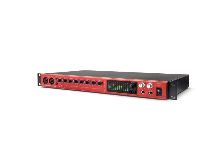 Clarett 8Pre USB right angle